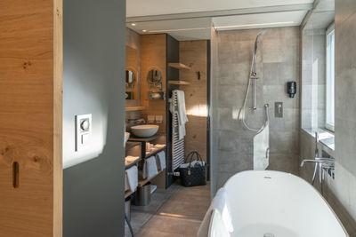 Chambre double superior ouest - salle de bains