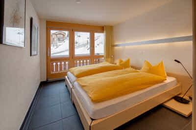 2. chambre à coucher avec 2 lit simple