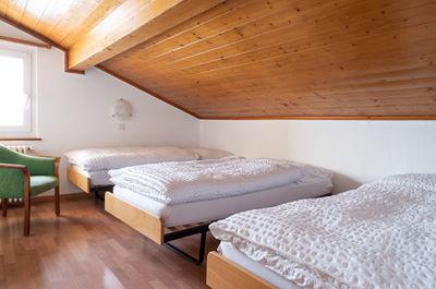 Dreibettzimmer mit Bergsicht