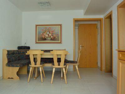 Apartment 482: dinette