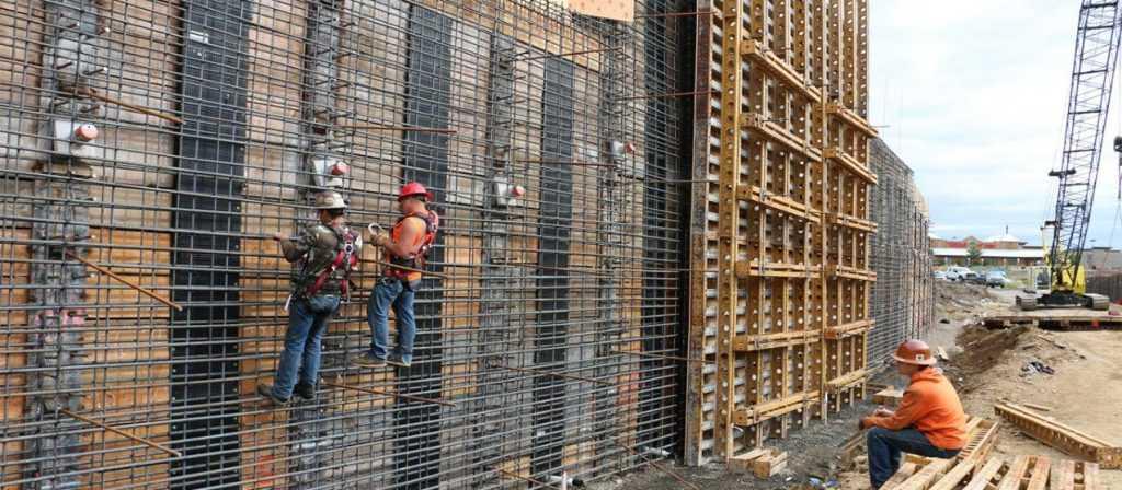 1.-steel-reinforced-retaining-walls-1024x448