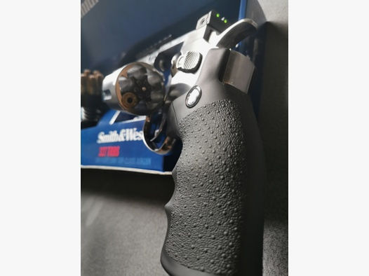 Smith&Wesson 327 TRR8 CAL. 4,5MM