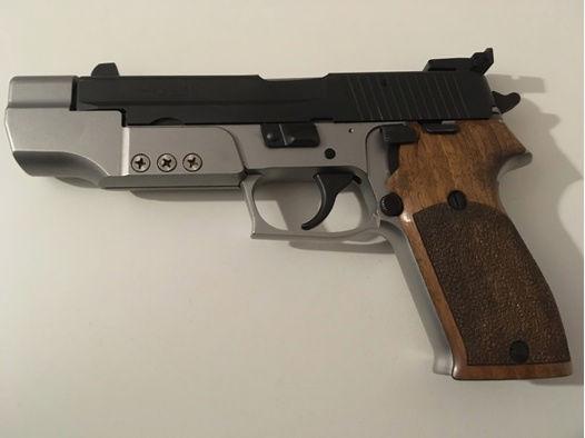 SigSauer P220 Sport 45 ACP mit Wechselsystem 9 mm