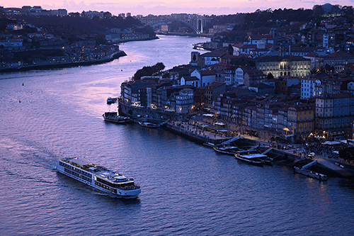 View over Porto cityscape and river at twilight, photographed using the Nikon Z 70-200mm f2.8 VR S lens