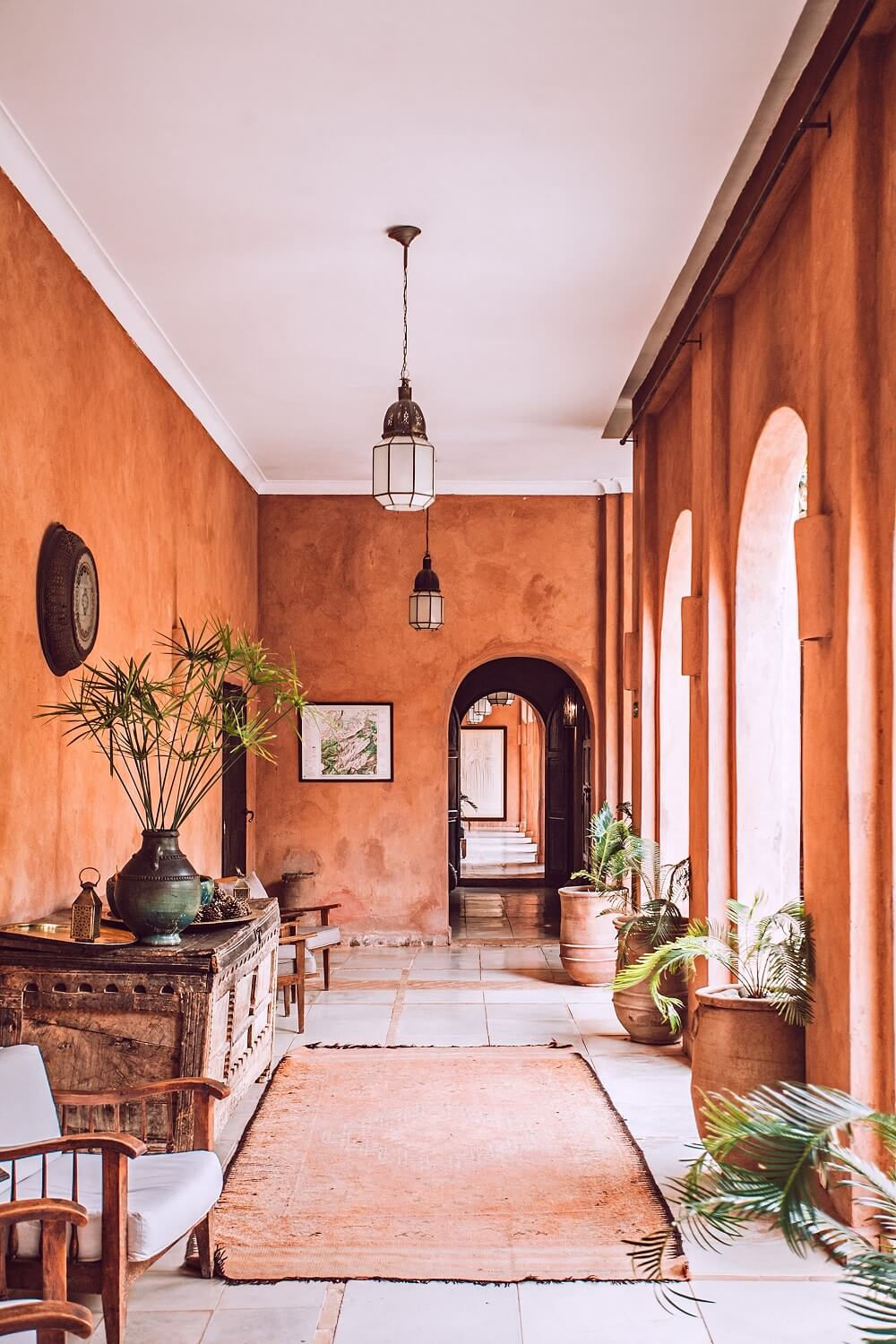 interior and real estate photography of the hallway