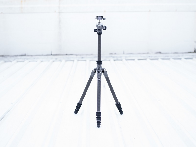 lighweight camera tripod