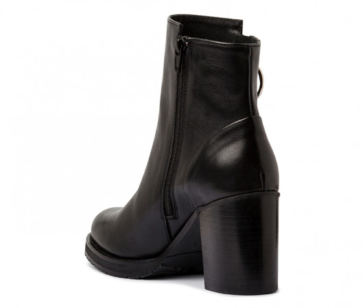 Cora ankle boot