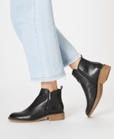 Carla ankle boot