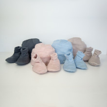 Cocooi Beanie and Bootie Set