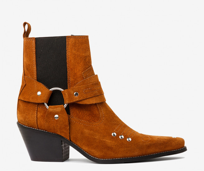 Whip western boot