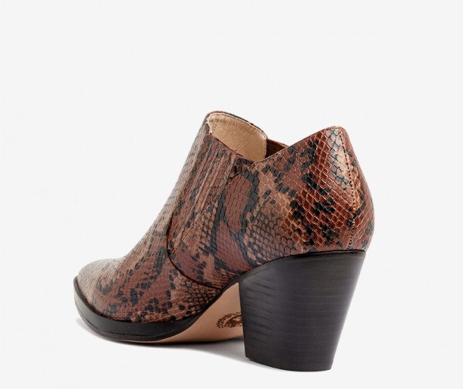 Arella ankle boot