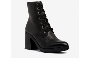Dries lace up boot