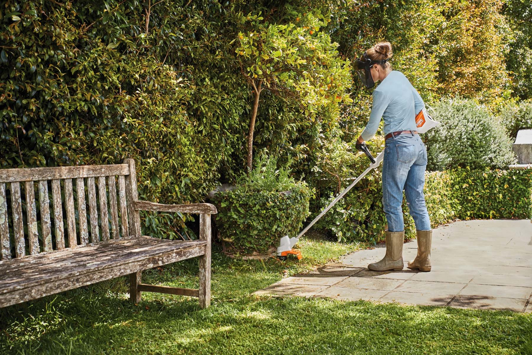 STIHL FSA 57 Line Trimmer for medium gardens at STIHL SHOP