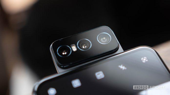 Asus Zenfone 7 flip camera extended for selfie mode