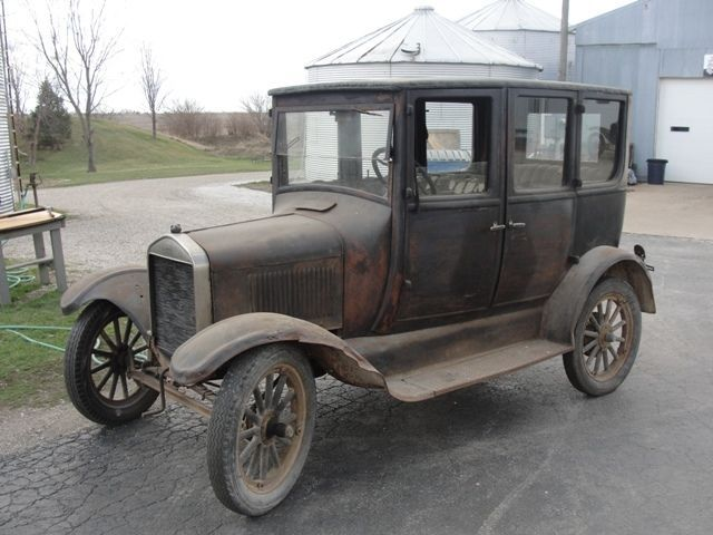 1926 Ford Model T Four door sedan