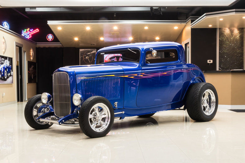 BEAUTIFUL 1932 Ford 3 Window Coupe Street Rod