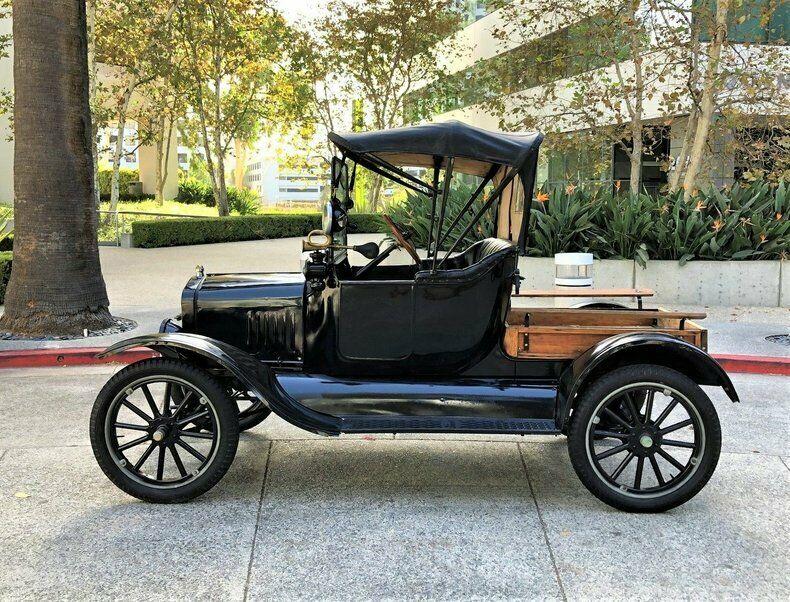 1917 Ford Model T Roadster