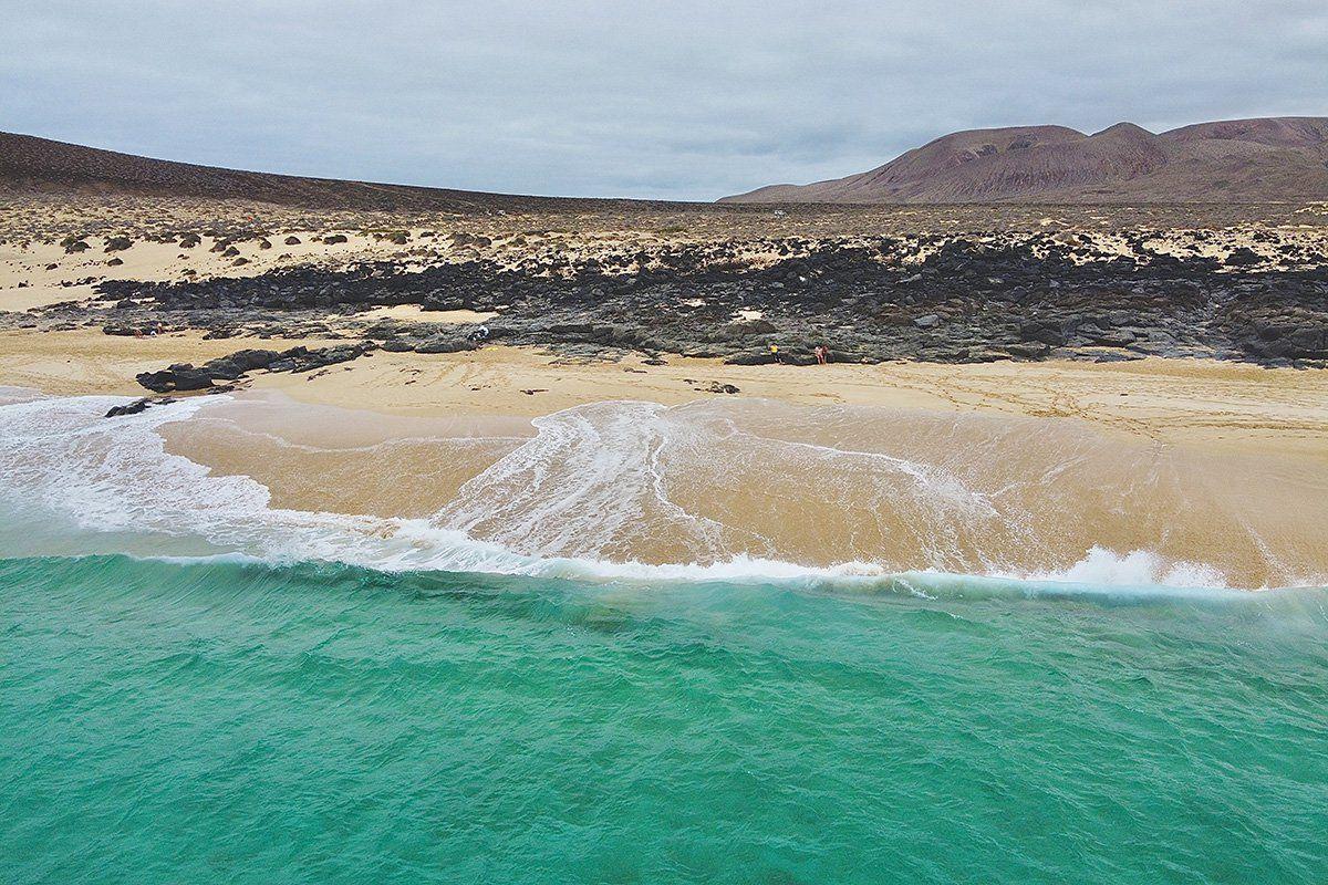 Aeropuertos insulares (II): Pasa tu verano en las Islas Canarias