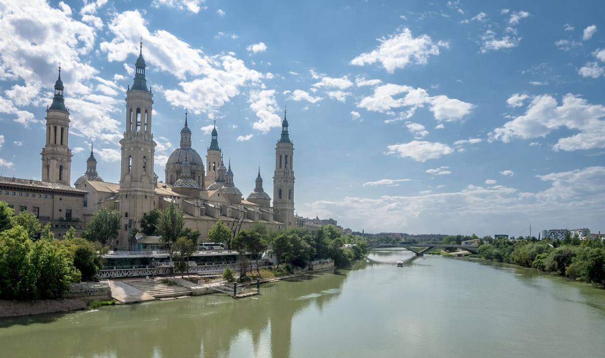 Dónde encontrar aparcamiento gratis en Zaragoza