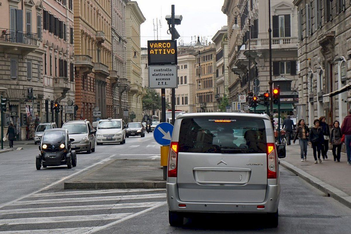Bologna's Limited Traffic Zone (updated 2021)