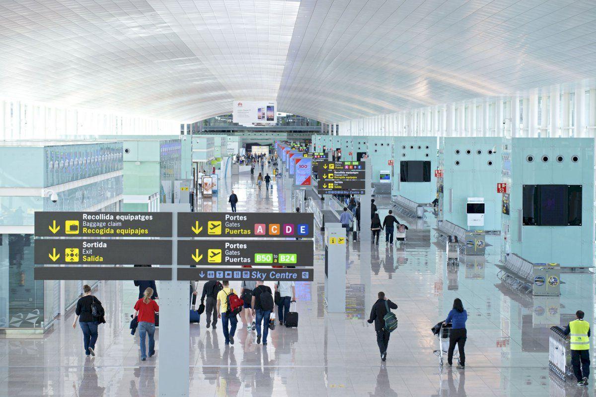 Todo lo que debes saber para aparcar tu coche en el Aeropuerto de Barcelona-El Prat