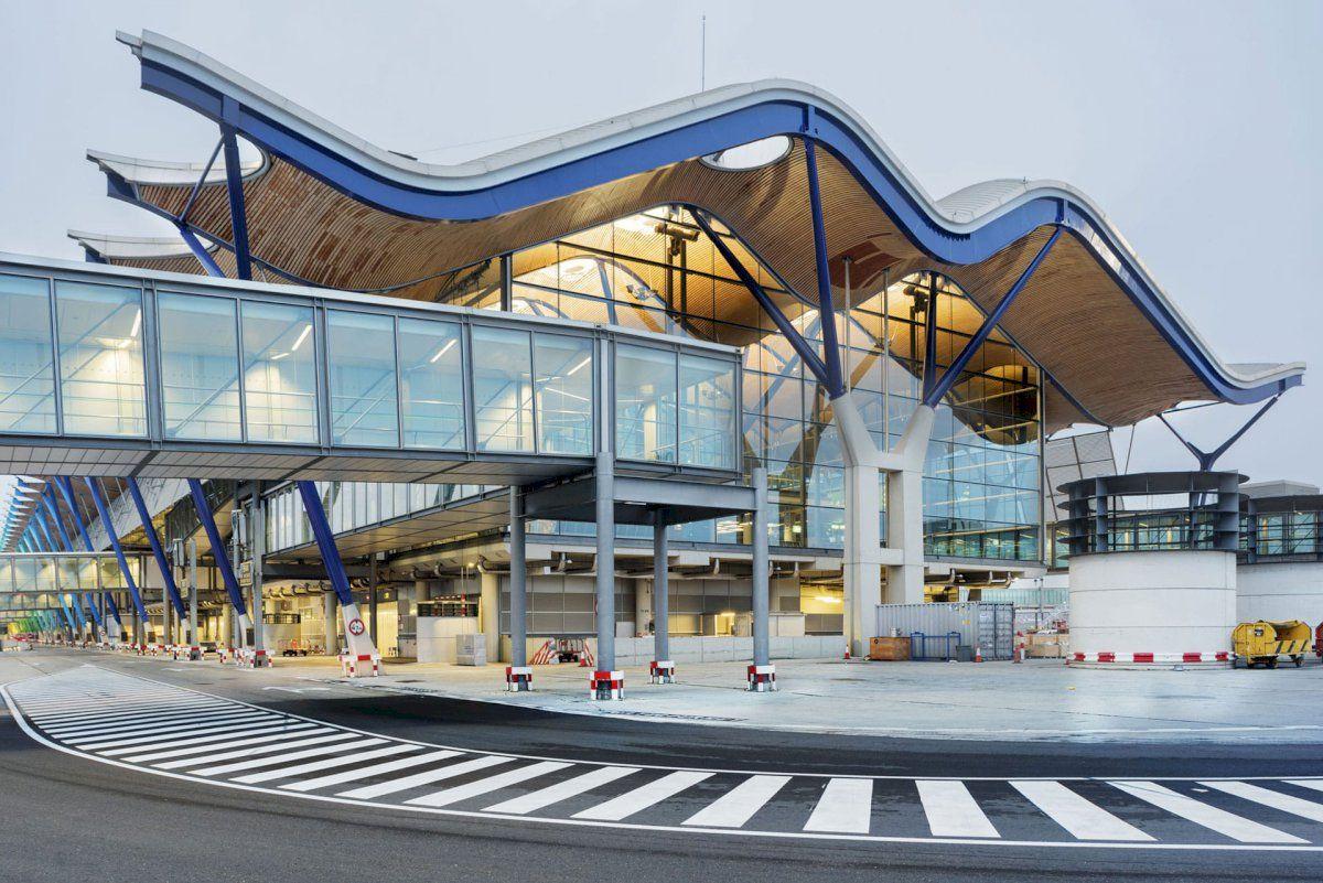 Todo lo que necesitas saber del Aeropuerto Adolfo Suárez Madrid-Barajas