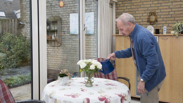 Piet is mantelzorger voor zijn vrouw Nel