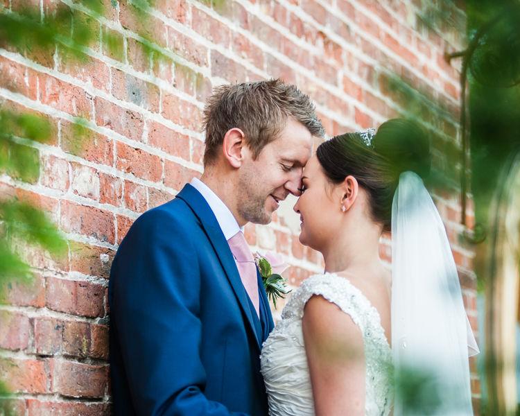 Barn outside wedding photos for Joelle & Scott