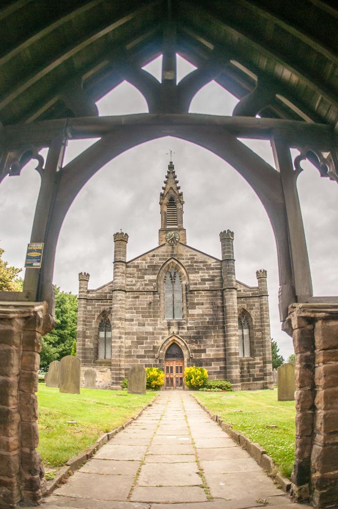 Sheffield wedding photographers, Christ Church exterior Stannington