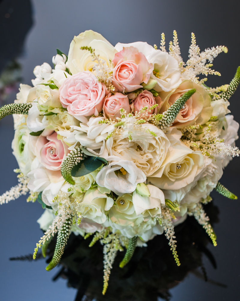 Pink and white wedding bouquet, Chesterfield wedding photographer, Casa Hotel
