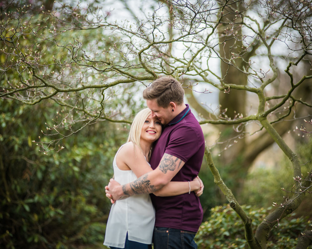 Deanna and Davey hugging, Botanical Gardens Sheffield wedding photographers