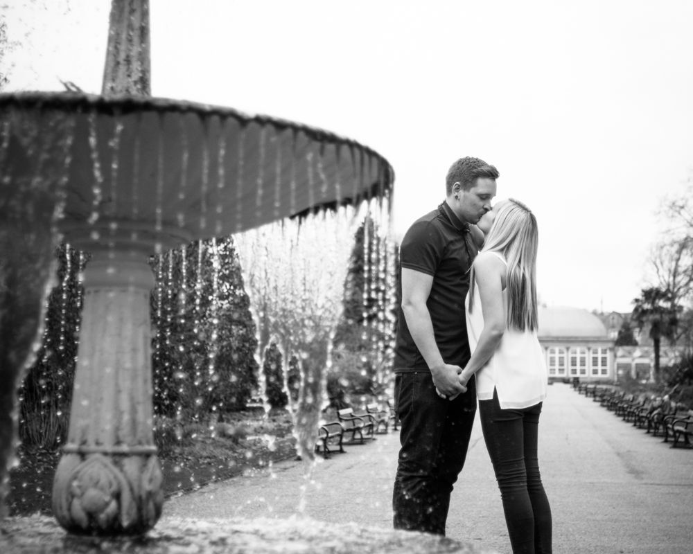 Kissing by the fountain, Botanical Gardens Sheffield wedding photographers