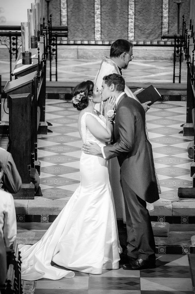First kiss, Sheffield wedding photographers