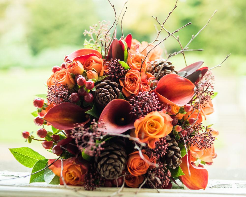 Brides's autumn wedding bouquet
