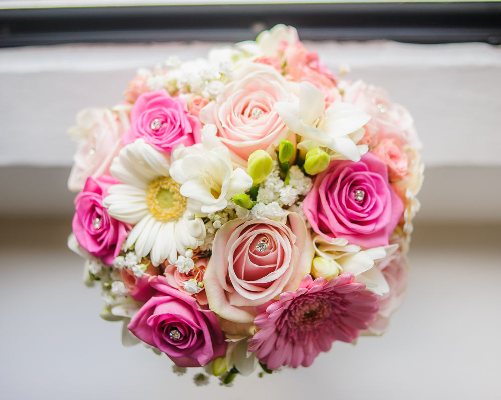 Wedding pink bouquet, Maynard wedding photography Sheffield