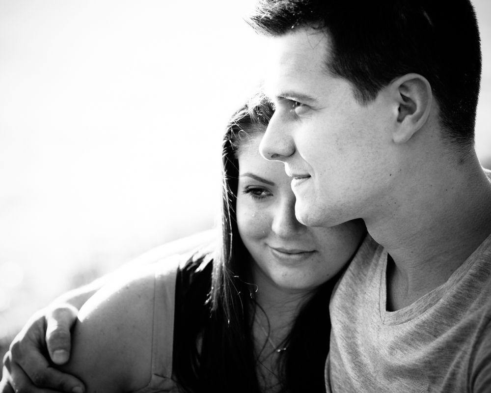 Cuddles, engagement photos Sheffield