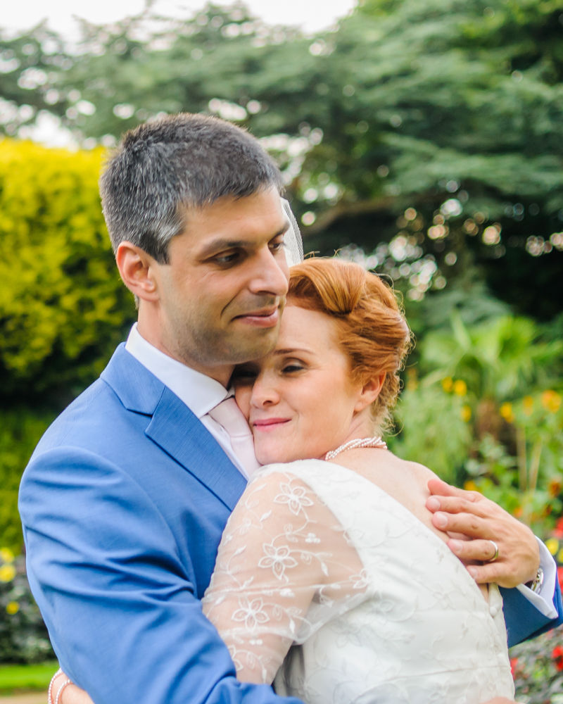Cuddles, Sheffield wedding photographer