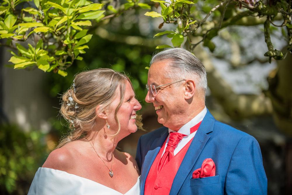 Happy wedding couple, Kendal wedding photography