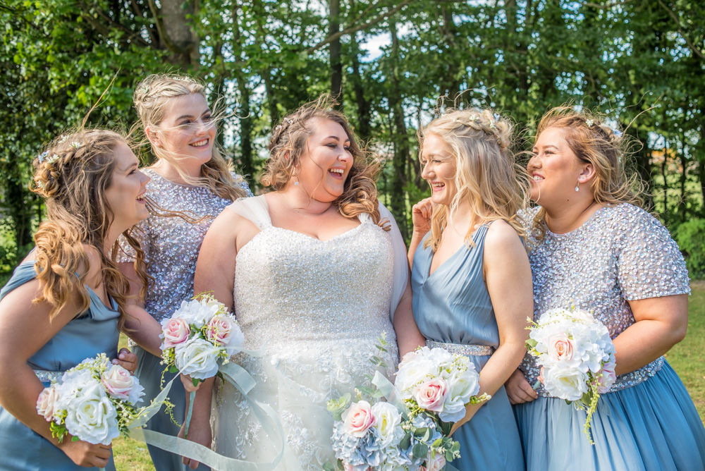 Bride and bridesmaids, Ye Olde Bell wedding, Retford