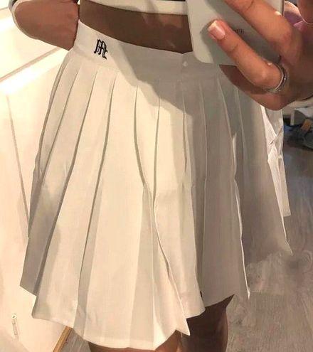 Boutique White Pleaded Skirt