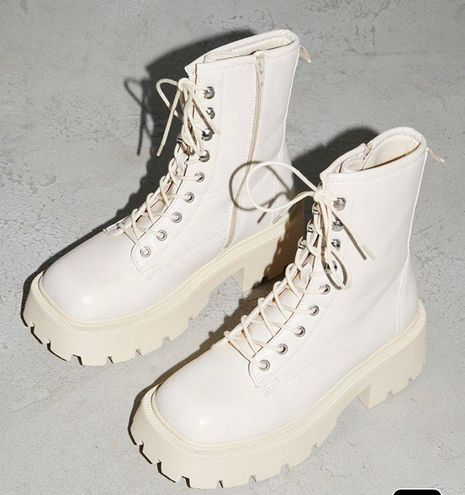 Pretty Little Thing Combat Boots
