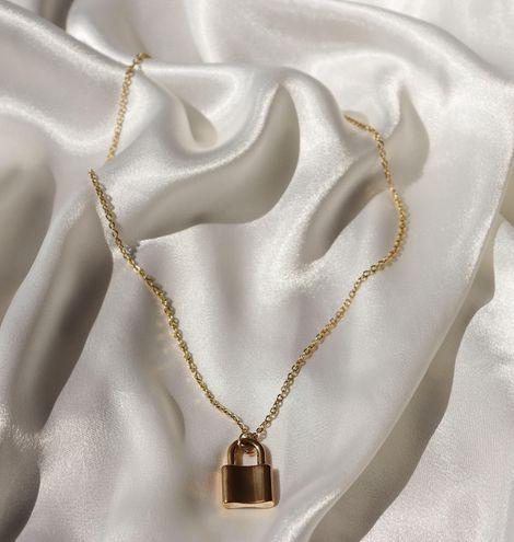 Boutique Simple Gold Lock Necklace