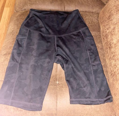 black camo biker shorts