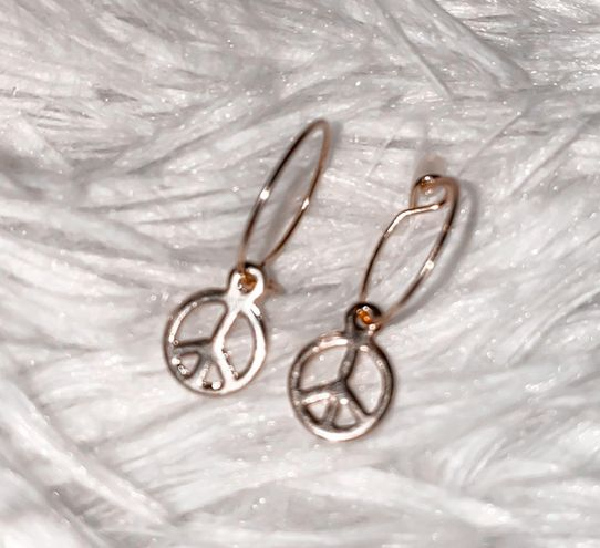 Urban Outfitters Dangle Peace Sign Earrings