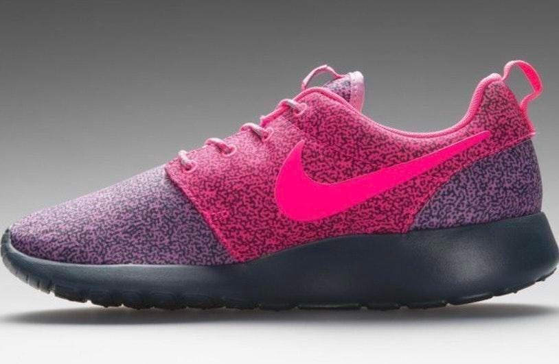 Atlas ecuación áspero  Nike Roshe Run Print Pink/Purple | Curtsy