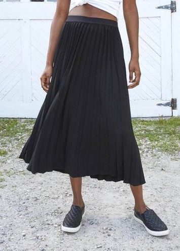 A New Day : Pleated Skirt