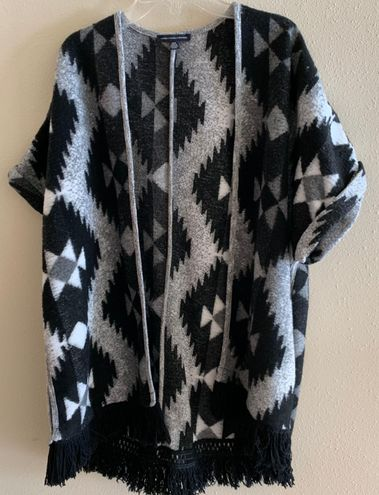 American Eagle Outfitters Patterned Short Sleeve Cardigan