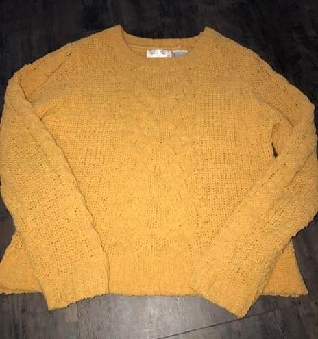 Yellow/Gold Knitted Sweater