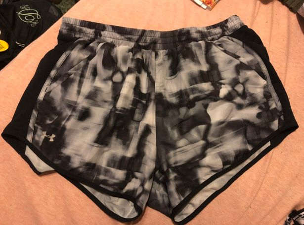 Under Armour Shorts Large