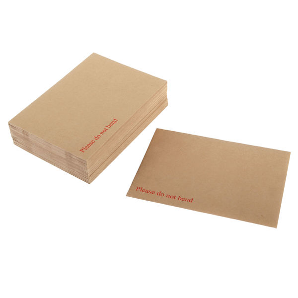 Q-Connect 318 x 267mm Board Back Peel and Seal Envelope Pack of 125   1K06